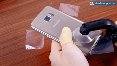 How to Replace the Galaxy S7, S7 Edge Battery Replacement