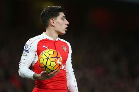 Arsenal to begin contract talks with Hector Bellerin amid