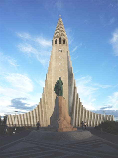 Conscious Travel Guide Iceland: What to Do and See