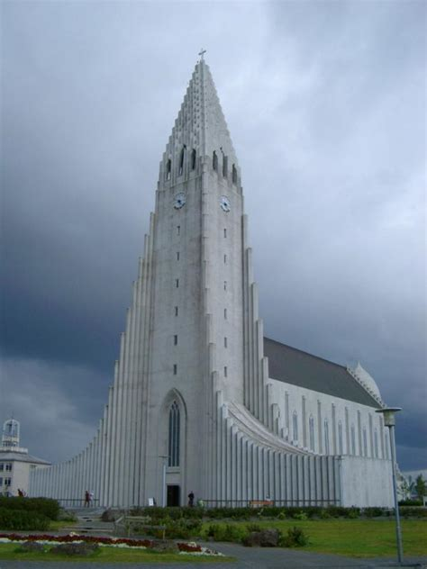 Free Stock photo of Hallgrim Cathedral under a dramatic
