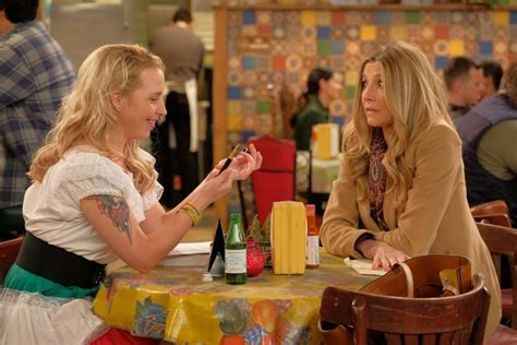 Sarah Chalke on her Roseanne return and not sharing the