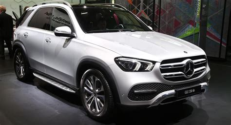 New Mercedes-Benz GLE 350 de 4MATIC Tries To Stand Out