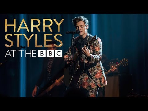 """Review: Harry Styles Finds a New Direction on """"Sign Of The"""