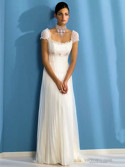 Wedding Dresses Picture: Beautiful White Short-Sleeved