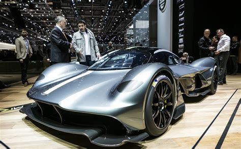 Aston Martin Valkyrie - 7 interesting facts on the mental