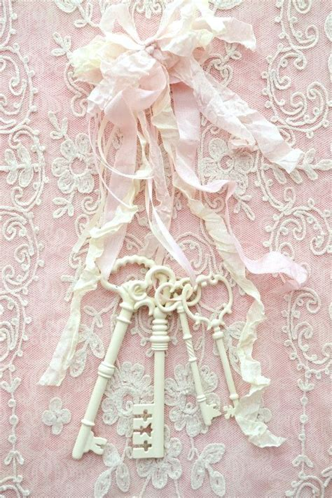 Cottage Decor in 2020   Shabby chic wallpaper, Shabby chic