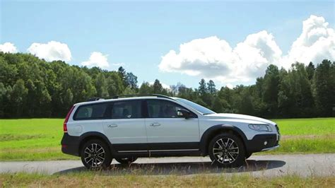 Volvo XC70 - Exterior and Drive - YouTube