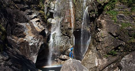 New photos: Laso Schaller completes the highest cliff jump